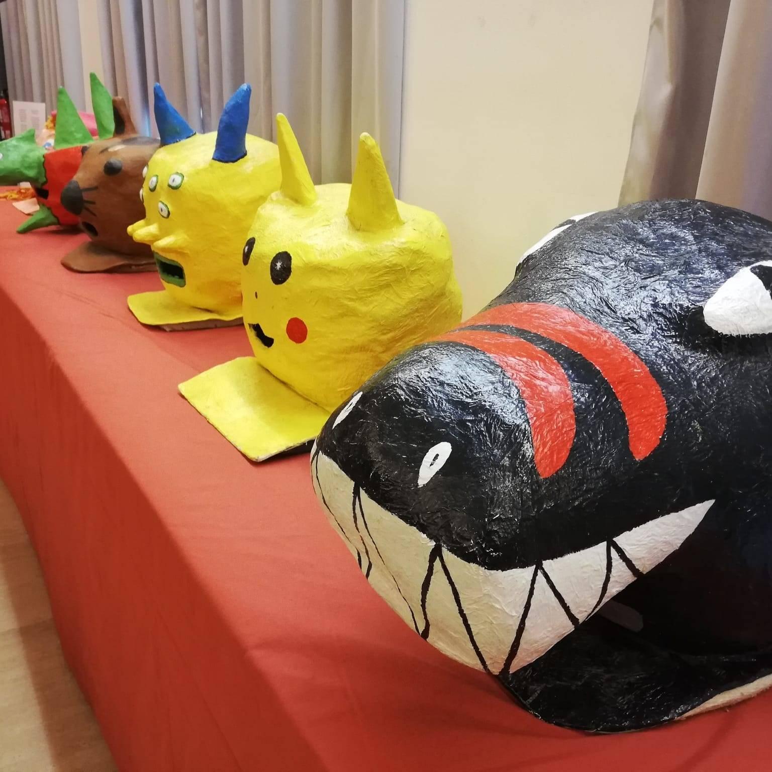 Capgrossos d'escoles a l'exposició de Can Saladrigas